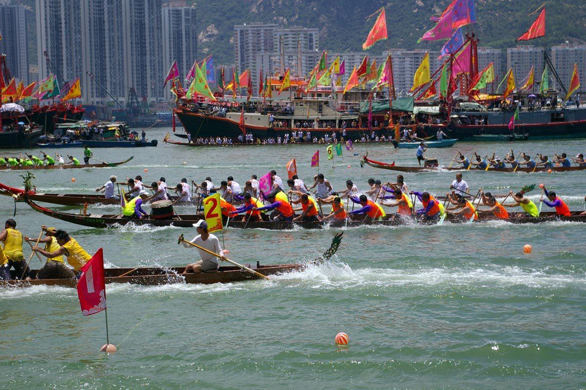 Festival de courses de bateaux dragons à Hong Kong